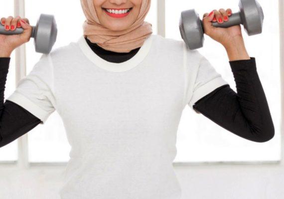 Tips Memilih Pakaian Olahraga untuk Wanita Berhijab